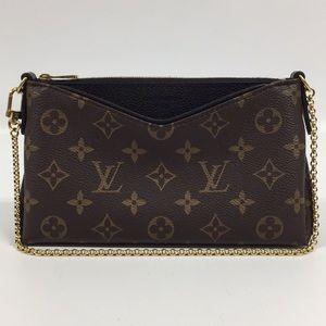 Louis Vuitton M41639 Noir Monogram Pallas Clutch